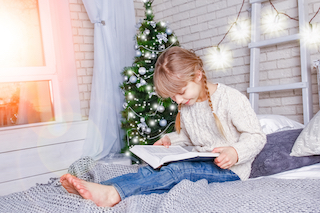 Girl 11+ Reading Christmas